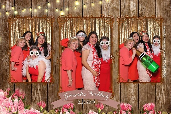 Wedding twisted ranch | Mirror Me Photo Booth | Premium Mirror Photo Booth Rental | Fun Fun Party in Liberty Hills TX