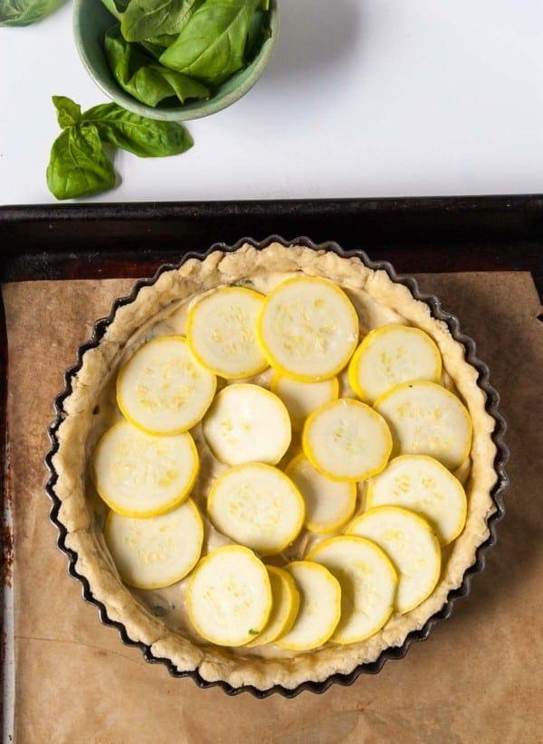 Vegan Summer Squash Tarts with Basil 'Ricotta'- a savory vegan summer squash tart with homemade cashew based vegan ricotta!