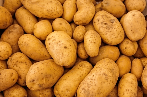 Australian article says Irish use potatoes as a form of currency