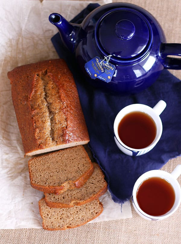 Earl Grey Pound Cake and cups of tea
