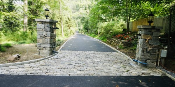 Durable driveway - Stone Pillars - masonry contractors