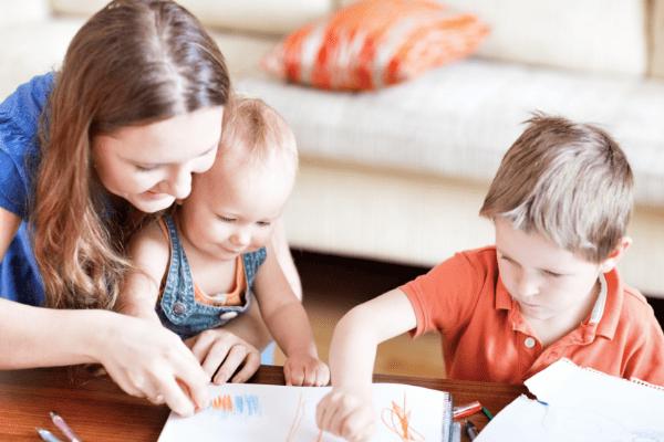 Babysitter mit 2 Kindern