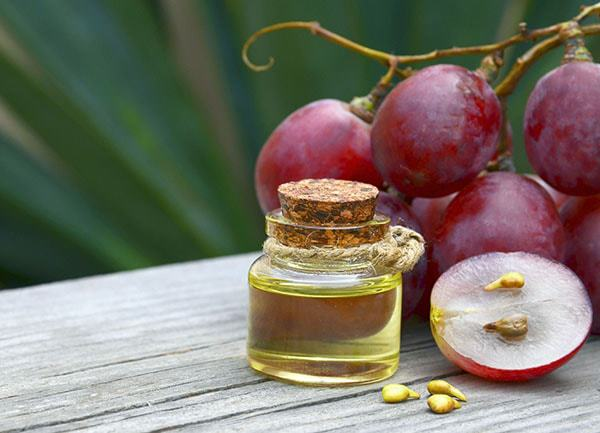 Grapeseed oil is one of the best carrier oils for acne-prone skin and scars due to its high linoleic content