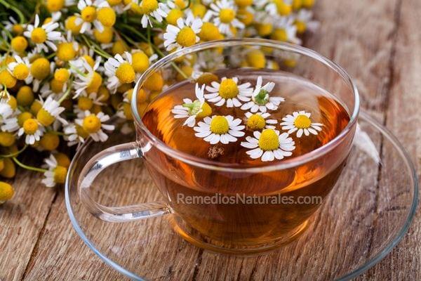 remedios caseros para las varices: té de manzanilla
