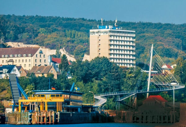 "View of the glass station, bridge and ""Rügen Hotel"", 2015, © City Archives and City Library Sassnitz"
