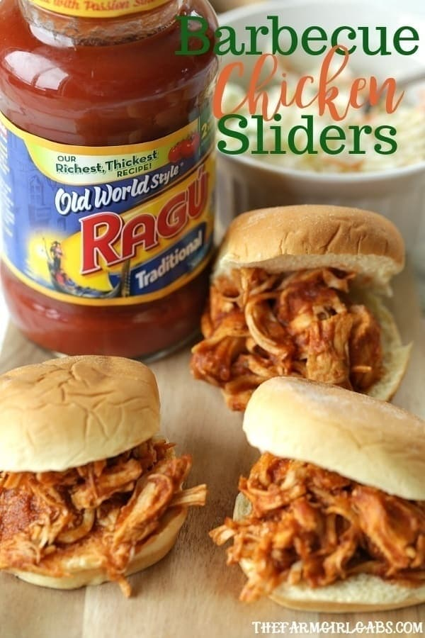 Are you game-day ready? These Shredded BBQ Chicken Sliders are perfect for your big game football party! #BigGameBB #ad #sliders #sandwiches #football #tailgaterecipies