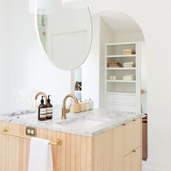 bathroom updates, quick bathroom makeover, quick bathroom updates, easy bathroom makeover, easy bathroom update, bathroom design, bathroom styling, interior design, interiors, renting, small budget bathroom, budget bathroom, budget bathroom updates, bathroom tapware, luxury bathroom tapware, tapware online, coloured tapware, bathroom renovation, bathroom reno, renovating, bathroom inspo, bathroom update inspo, bathroom design inspo