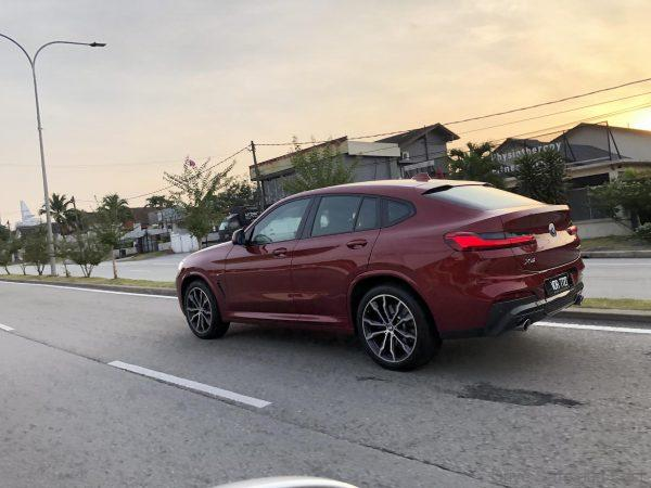 BMW X4 xDrive30i M Sport red