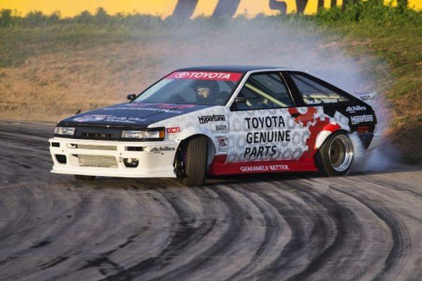 Toyota AE86 Levin drift car in action