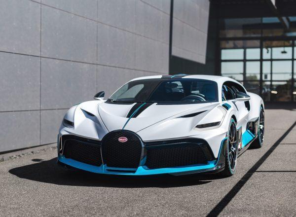 Bugatti Divo Hypercar front lights