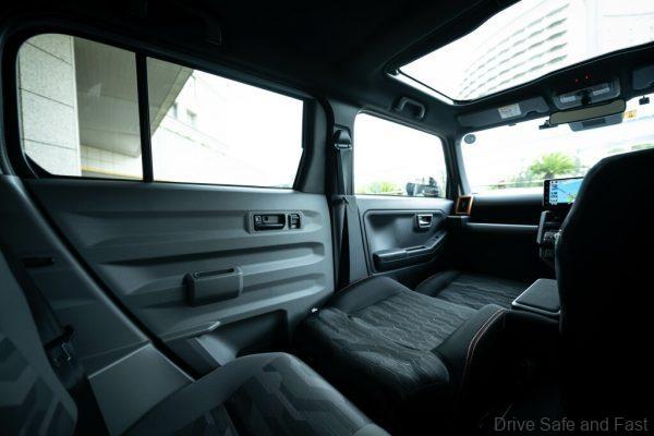 Daihatsu Taft Crossover rear seats