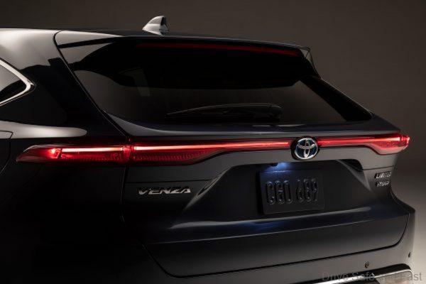 Toyota Venza_rear lights