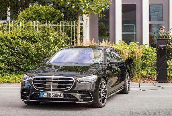 Mercedes-Benz S-Class 2021_EV charging