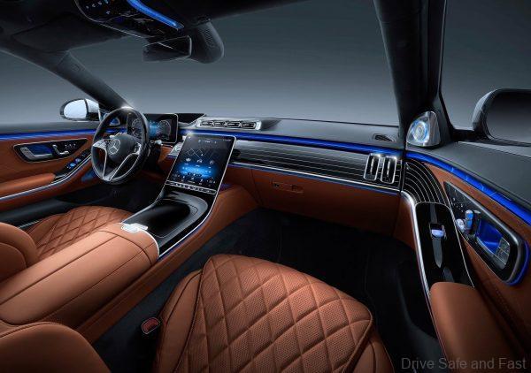 Mercedes-Benz S-Class 2021_front passenger cabin
