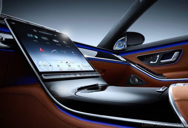 Mercedes-Benz S-Class 2021_infotainment touch screen