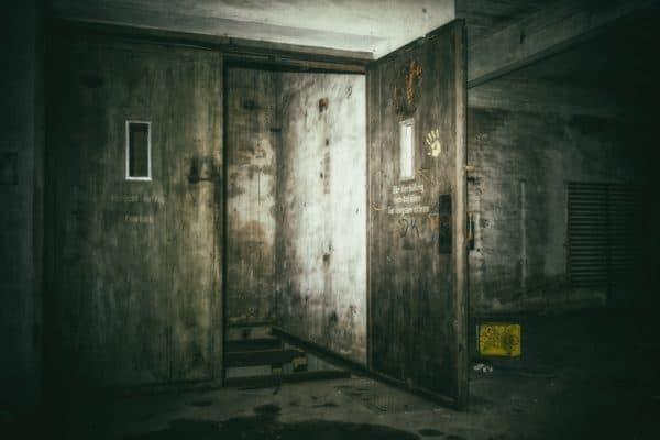 lost places, keller, elevator