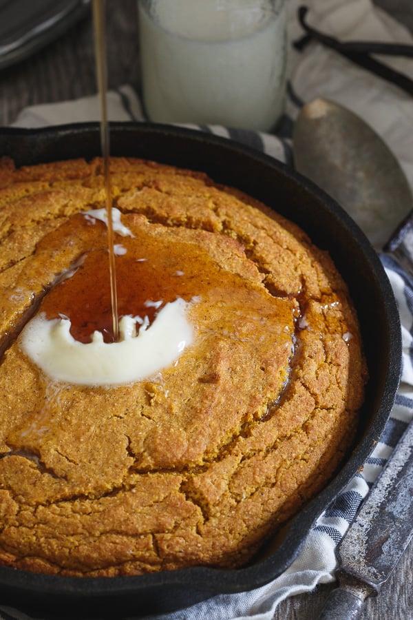 Skillet vanilla pumpkin cornbread