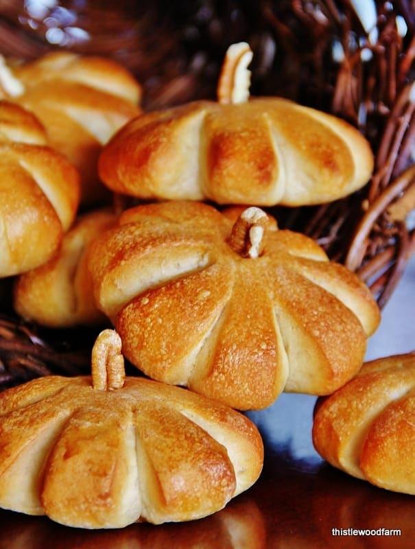 Simple pumpkin rolls