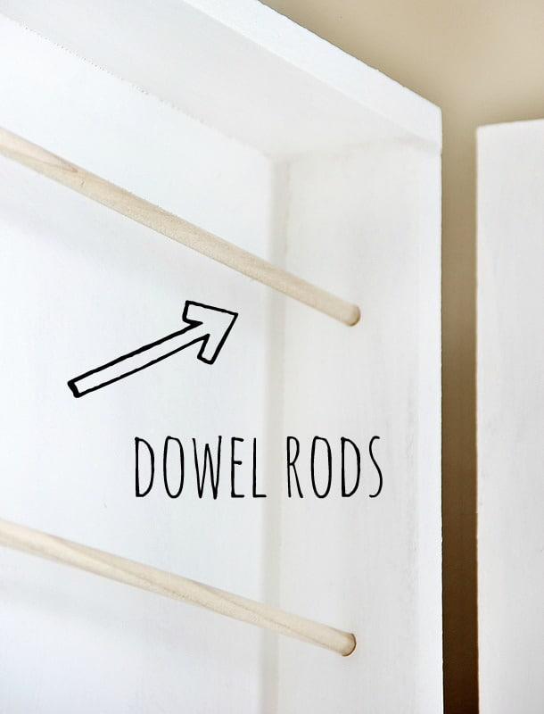 hanging-jewelry-organizer-dowels