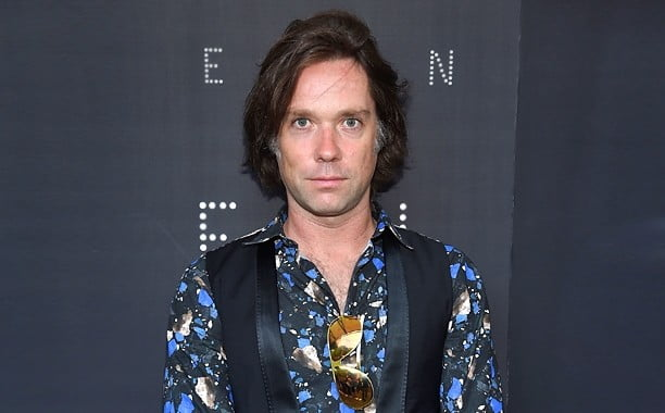 Hear Rufus Wainwright Sing Shakespeare's Sonnets: A New Album Featuring Florence Welch, Carrie Fisher, William Shatner & More - @Open Culture #rufuswainwright #takeallmyloves Artes & contextos hear rufus wainwright sing shakespeare