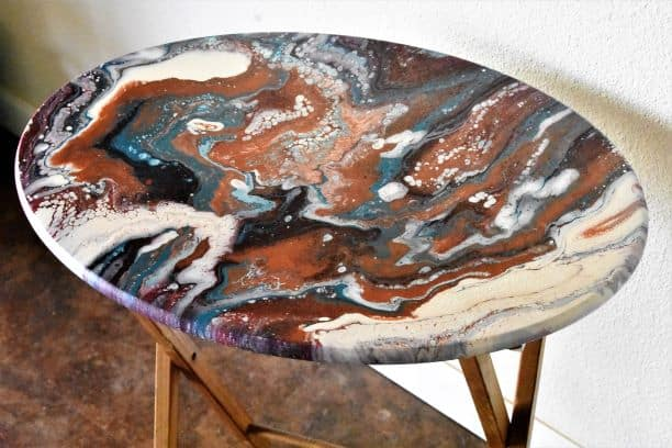 finished tv tray acrylic pour