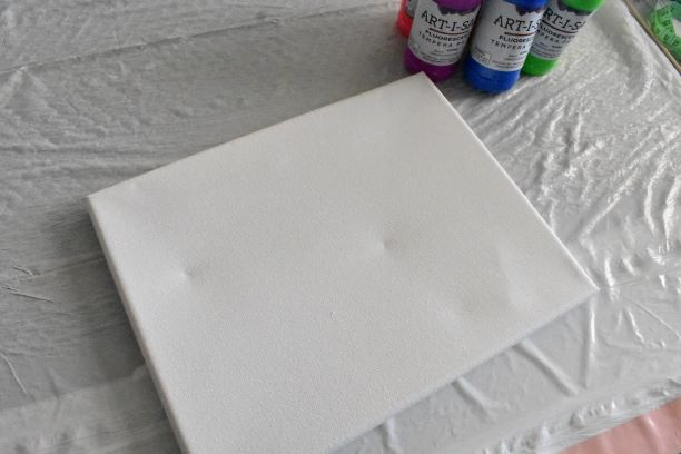 canvas out of package with dents