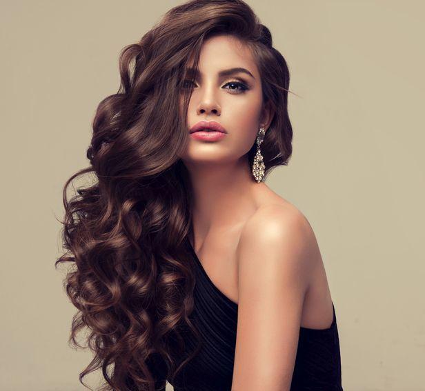 Corte rockero mujer pelo largo