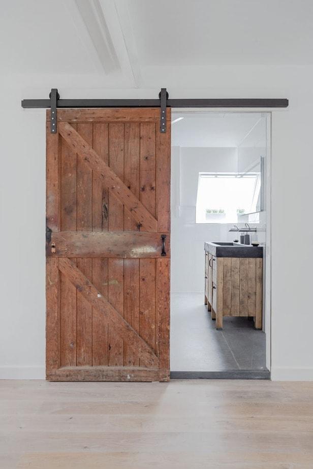 interieurfotografie barn door badkamer