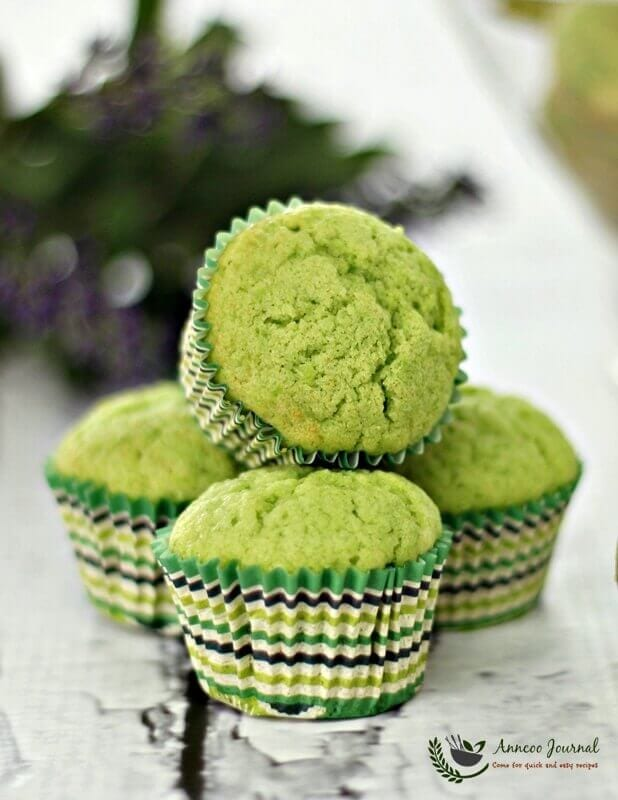 mini pandan butter cake