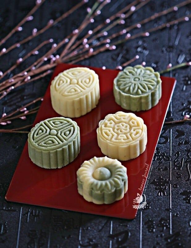 mung bean cakes & mung bean mooncakes