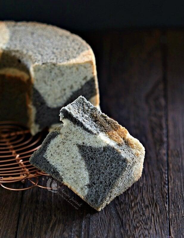 black sesame marble chiffon cake