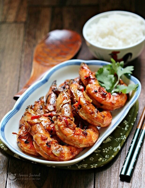 fried prawn with lemon grass and garlic