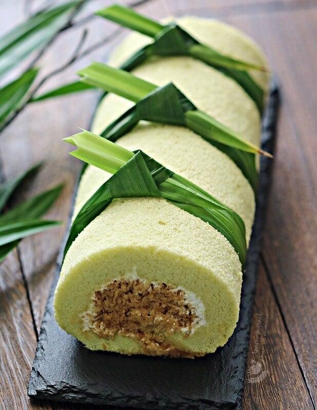 coconut pandan cake roll