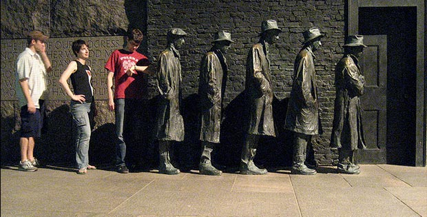 Great depression bread line statue, New Jersey, USA
