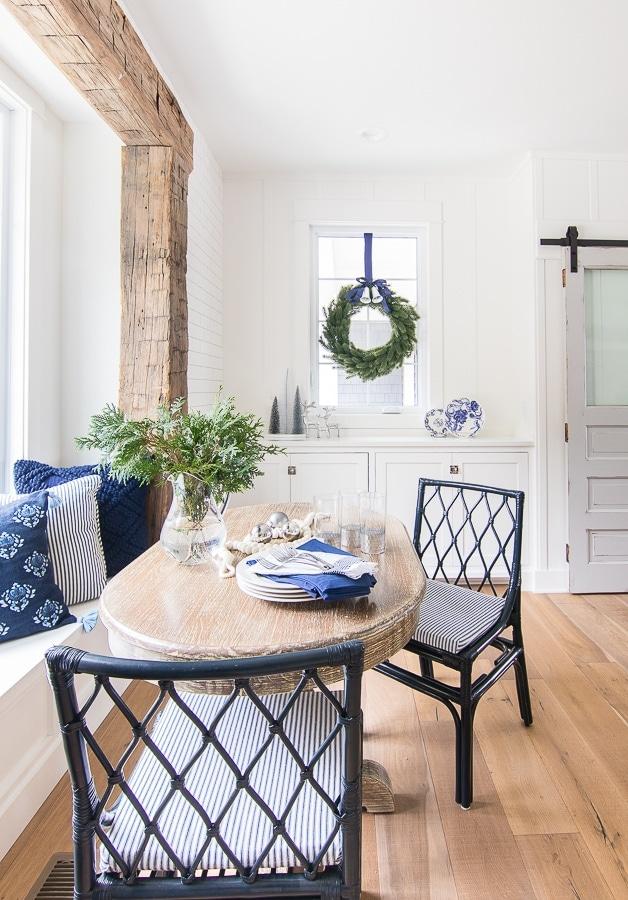 Christmas breakfast nook decor