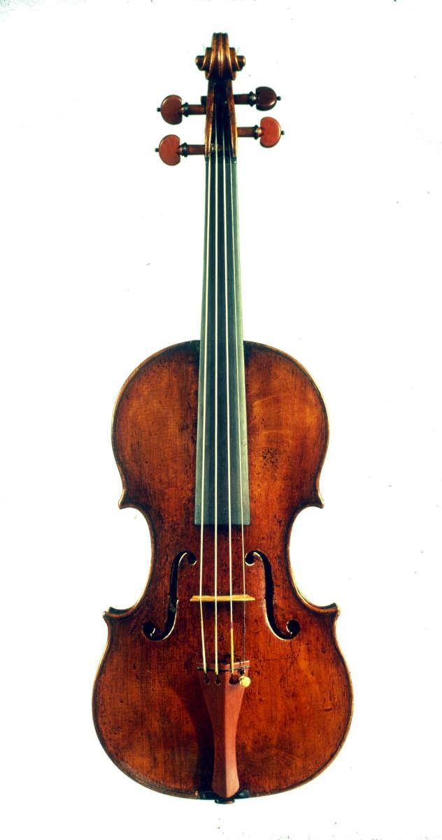 ニコロ・アマティ1675年製ヴァイオリン正面全体像