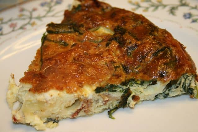 Crustless Spinach and Bacon Quiche from Zagleft.com