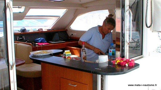 Cuisine charter catamaran