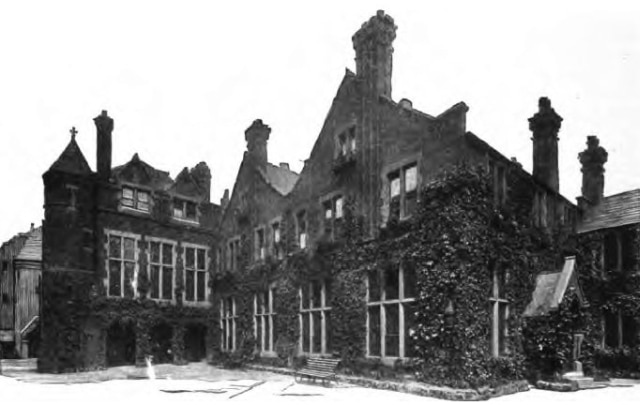 Toynbee Hall circa 1902. Sourced from Wikimedia Commons.