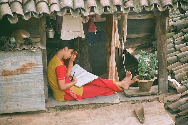 Picture: Female education by Subhash Purohit for Deutsche Welleced from Flickr and reproduced under a Creative Commons Attribution-NonCommercial-NoDerivs 2.0 Generic (CC BY-NC-ND 2.0) licence.