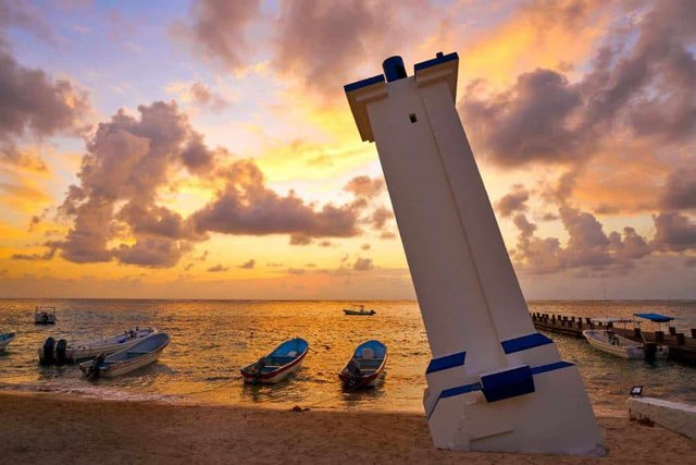 Puerto Morelos, Mexico. Travel Advisory. - Leaning Lighthouse