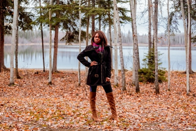 Stop scrolling! I found the best affordable over the knee boots for women and it's available in both regular and wide width! And this pair of boots has the perfect block heel that makes it a great transitional OTK boots for summer to fall and fall to winter. Read to discover two unique ways to style this boots for fall and early winter.