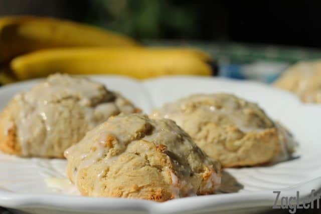 Banana Scones with Sweet Vanilla Glaze | ZagLeft