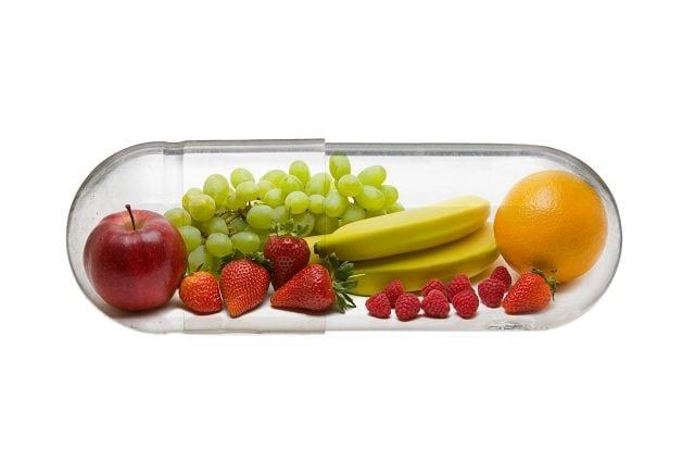 Um die nötigen Vitamine und Mineralstoffe für unsere Knochen und Muskeln aufzunehmen ist es manchmal sinnvoll auf Nahrungsergänzungsmittel zurückzugreifen. Besonders schwierig wird das Zuführen bei einer diätischen Ernährung wo man auf gewisse Nahrungsmittel verzichten muss oder möchte. Auch bei intensivem Kraft- oder Ausdauersport kann eine Ergänzung von Magnesium zur Ernährung Sinn machen.