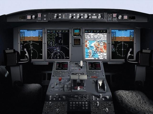 challenger-605_cockpit