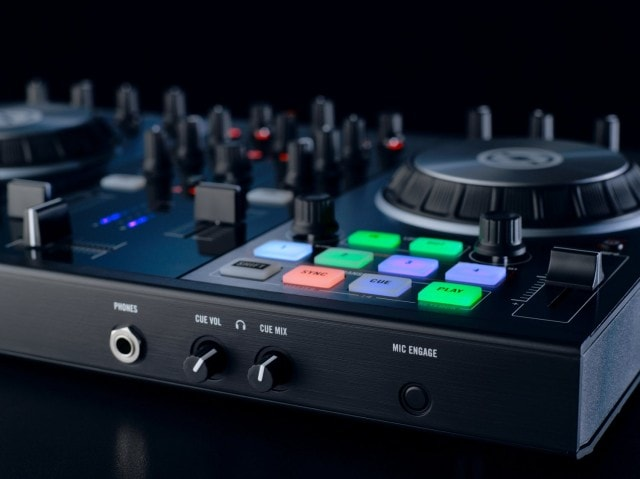 The two-channel S2, viewed from the integrated audio interface cue jack. All images courtesy Native Instruments.
