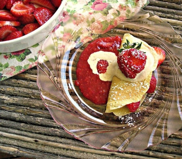 Fresh Strawberry Crepes