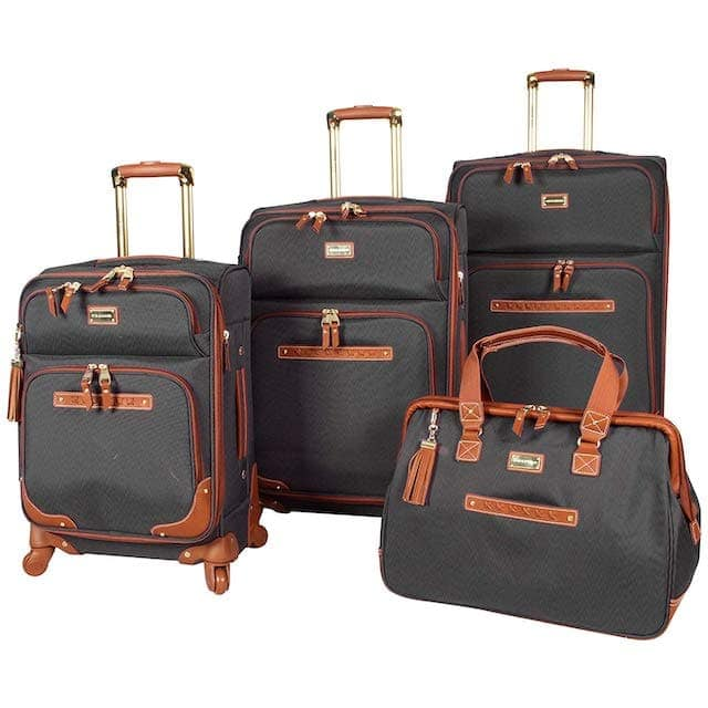 A complete review of the best luggage sets of 2019. Everything from the best 2 piece luggage set, the best, 3 piece luggage sets and even the best carry on luggage set to get on Amazon. This luggage buying guide includes brands such as Samsonite, Rockland, U.S Traveler, Travelcross, American Tourister and more. Get the best cheap luggage sets without breaking the bank.