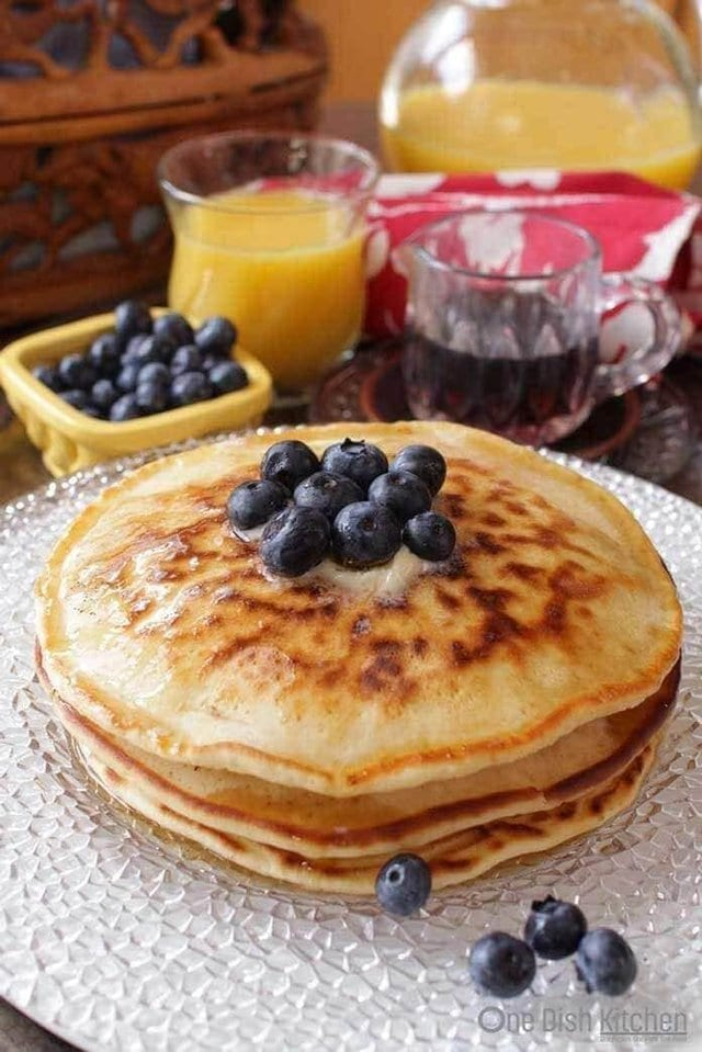 How To Make Pancakes for one!  This easy recipe makes a small batch of pancakes and is perfect for those Cooking for One. | One Dish Kitchen