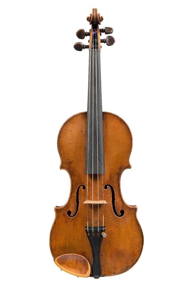 ジロラモ・アマティ1611年製バイオリン正面全体像